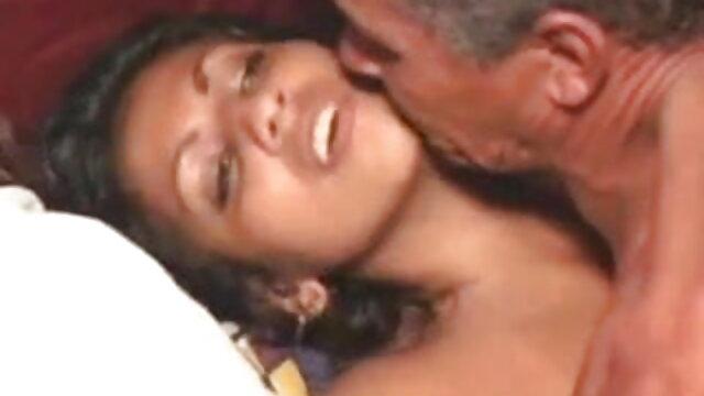 बड़े स्तन जोड़ी हिंदी फुल सेक्सी मूवी 21