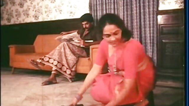 खूबसूरत टीन बेब हो जाता है फुल सेक्सी हिन्दी पिक्चर फिल्म ड्रिल्ड में उसकी आस