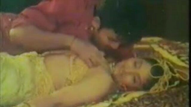 OMAPASS पतली परिपक्व समलैंगिक मोटा दादी के साथ कमबख्त फुल सेक्स हिंदी मूवी