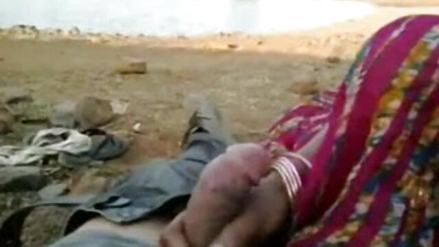 मिया बैंग हिंदी सेक्सी फुल डबल पेनेट्रेशन