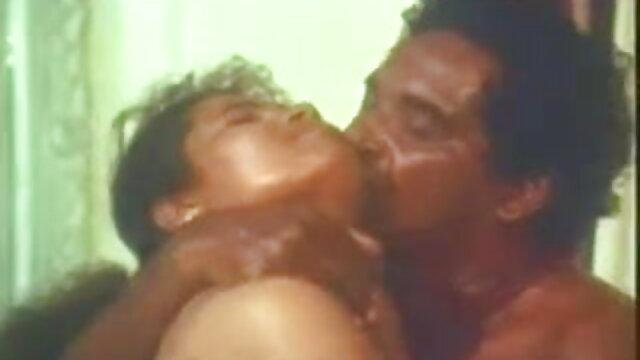 डीपी फुल सेक्सी सेक्सी फिल्म कार्रवाई में माँ