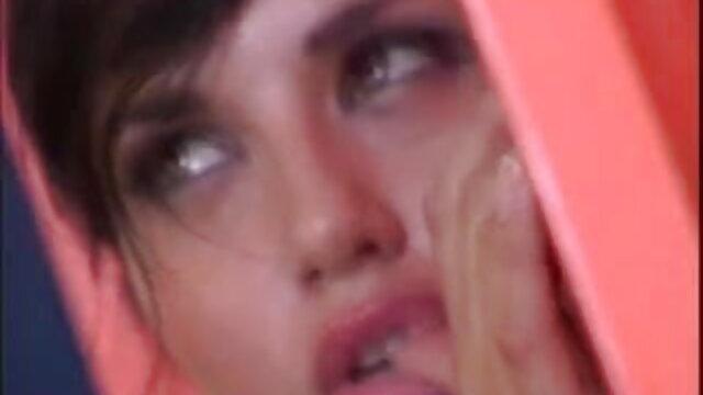 बिजली फुल सेक्सी मूवी वीडियो में की नीली बर्बरी