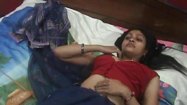 किम्मी (ली) हिंदी में फुल सेक्सी फिल्म - जिगल थ्री