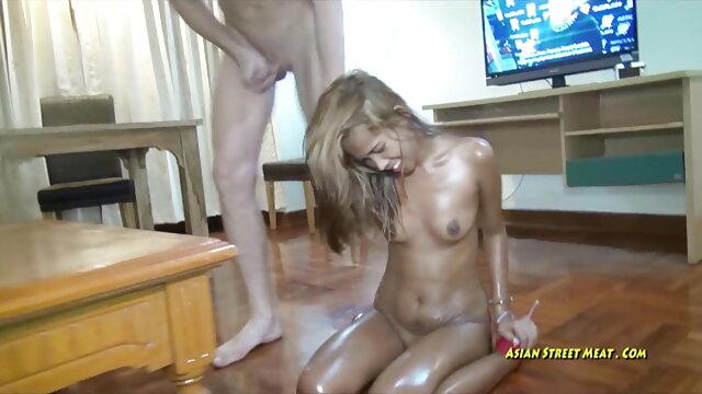 थोड़ी मदद से गर्म युगल सेक्सी वीडियो फुल फिल्म