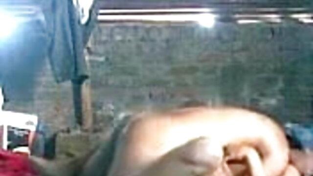 भव्य किशोर गोरा लड़की खुले में एक विशाल डिक की सवारी करती हिंदी सेक्सी वीडियो फुल मूवी है