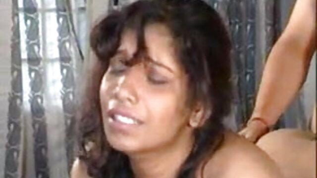 ब्लोंड कॉलेज गर्ल लॉरेन हिंदी फिल्म सेक्सी फुल एचडी कॉक्स उसके खिलौने के साथ खेल रही है