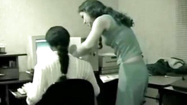 गर्म शौकिया अश्लील 1 में प्यारा शौकिया GF सेक्सी फिल्म हिंदी में फुल एचडी से Handjob