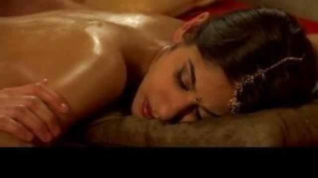 आकर्षक फुल सेक्स हिंदी फिल्म lezdom dyke खूबसूरत बेब fucks