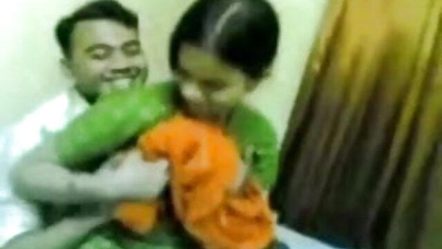 अच्छे पेट और चुस्त स्तन सेक्सी फिल्म फुल एचडी में हिंदी