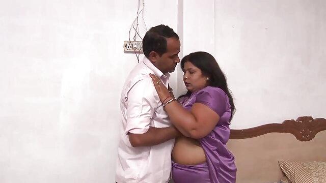 माया - सांता कोसप्ले के साथ एक्स-मास हिंदी फिल्म फुल सेक्सी