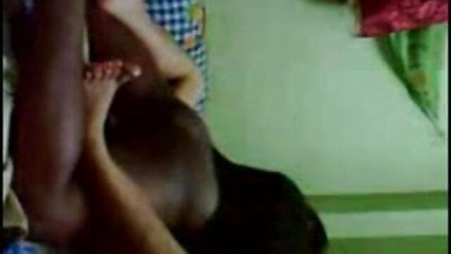 बीबीसी पत्नी की चुदाई करता हिंदी सेक्सी वीडियो फुल मूवी है जबकि पति फिल्मों में