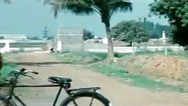 3 थाई पुसी बनाम 1 मुर्गा फुल सेक्सी हिंदी फिल्म