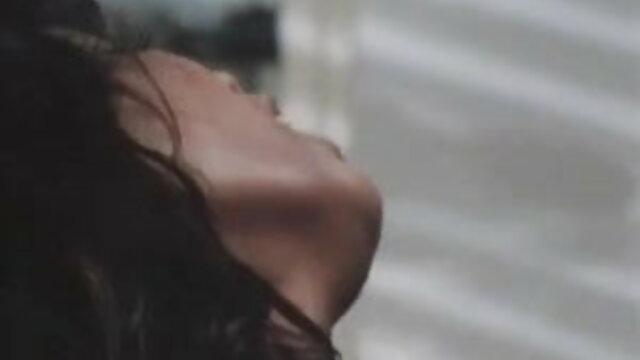 LezKiss - संचिका गर्म महिला युवा सेक्सी फुल मूवी हिंदी में बेब seducing