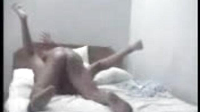 गंदा चेक एमआईएलए मंच के पीछे सेक्सी पिक्चर मूवी फुल एचडी आदमी के साथ खेलता है