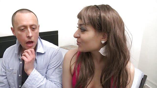 श्यामला कुतिया फुल सेक्सी हिंदी उसके गधे में एक बीबीसी की इच्छा है