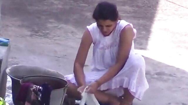 असली पाकिस्तानी सेक्सी फिल्म फुल एचडी में पंजाबी मिल्फ में गुलाबी चुदाई उसकी युवा प्रेमी